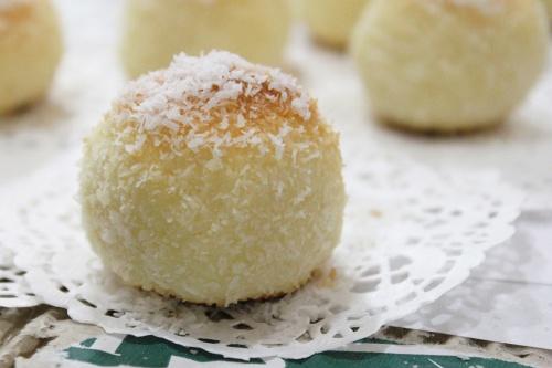 ccoconut balls 2