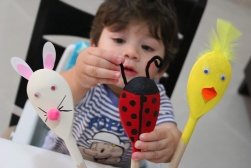 easter/spring craft -wooden spoon characters