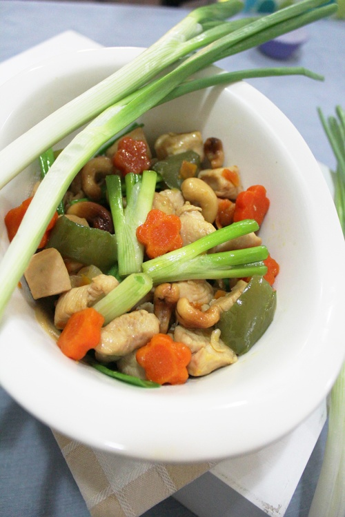 thai chicken cashew nut