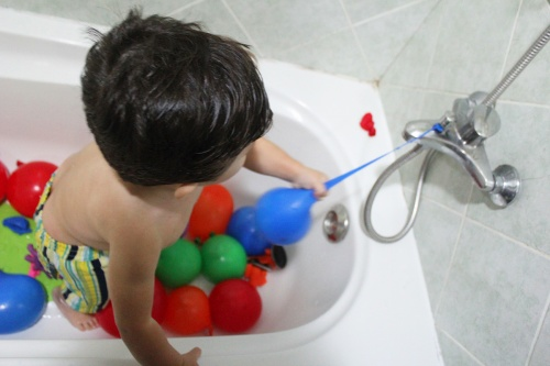 Water Balloons Sensory Play – Bath Time Fun!