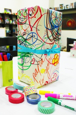 DIY birthday gift wrap