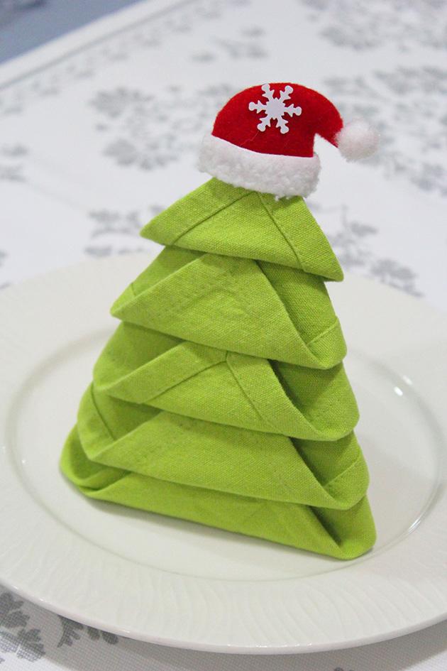 Napkin folding christmas tree | marmite et ponpon