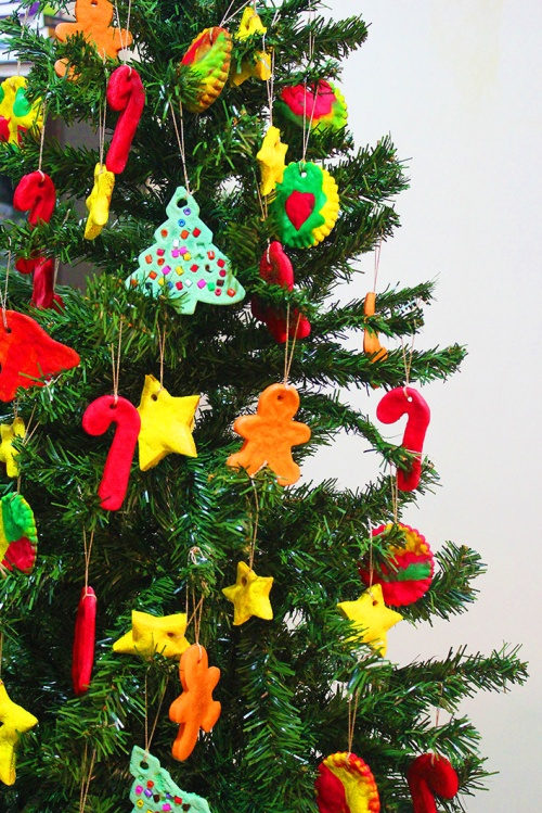 christmas tree with handmade ornaments 3