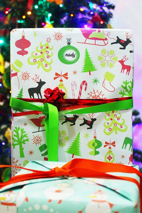 nady personalized wrapping paper