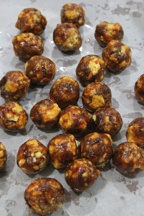caramel date energy balls
