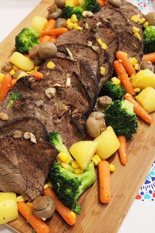 pot roast beef with vegetables and gravy