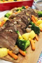 rôti de boeuf (roast beef) with vegetables and gravy
