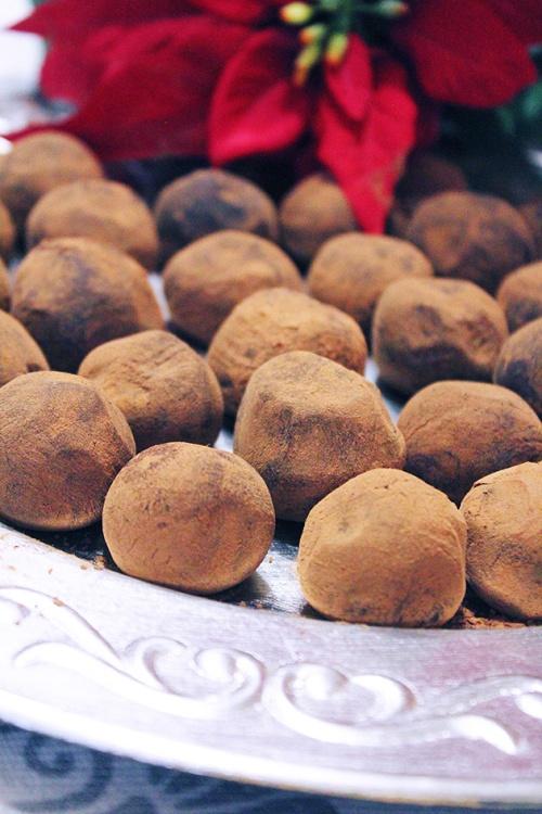 dark chocolate & whiskey truffle