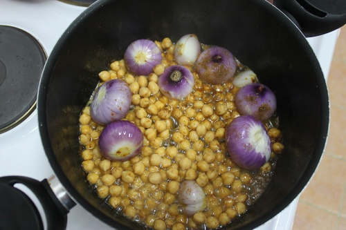 chick peas and onions
