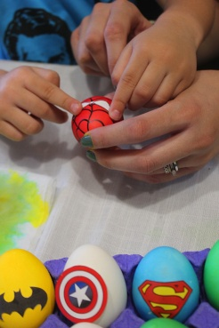 7 superheroes Easter eggs| marmite et ponpon