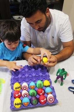 8 superheroes Easter eggs| marmite et ponpon