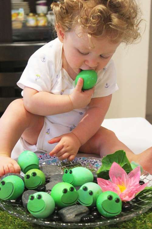 joud with Frogs Easter eggs |marmite et ponpon