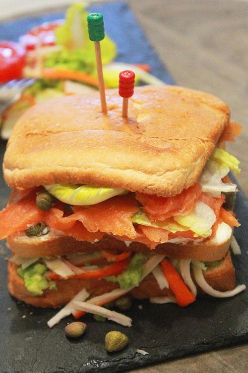 smoked salmon & crab sandwich|marmite et ponpon