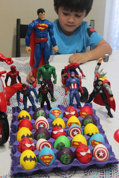 superheroes Easter eggs| marmite et ponpon