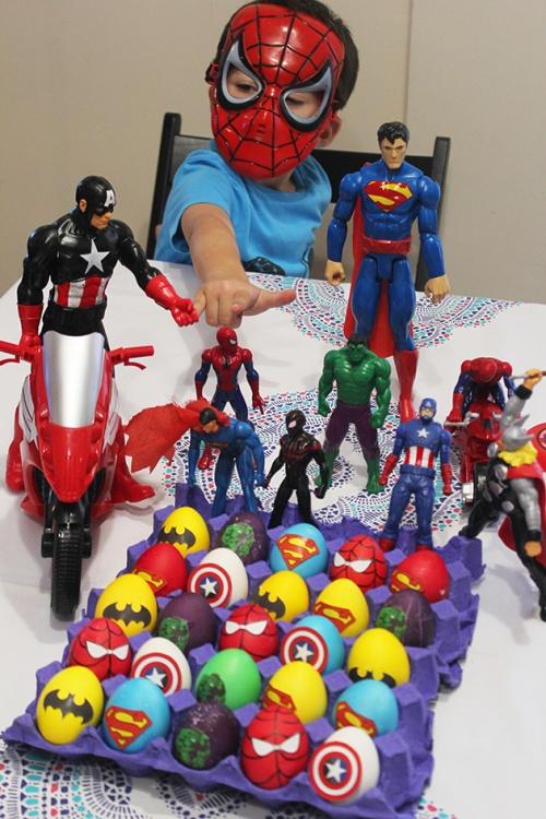 superheroes Easter eggs | marmite et ponpon