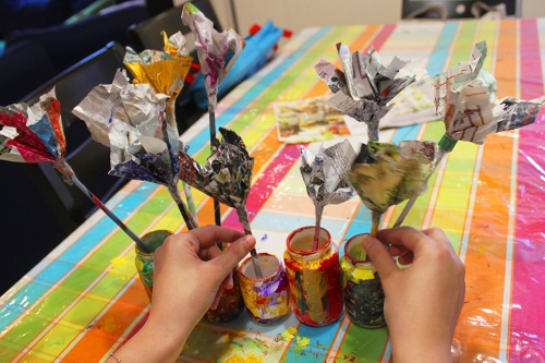 20- Magazine flowers & food jar vase - recycling craft|marmite et ponpon