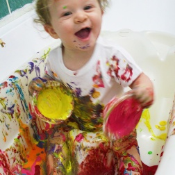 finger paint- sensory play|marmite et ponpon