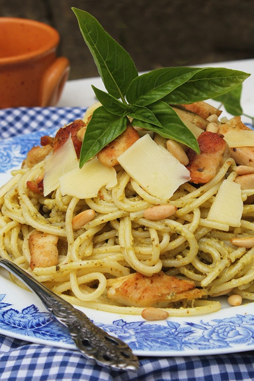 chicken pesto with spaghetti|marmite et ponpon