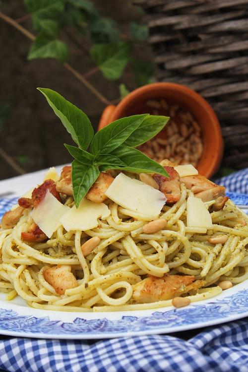 chicken pesto with spaghetti|marmite et ponpon