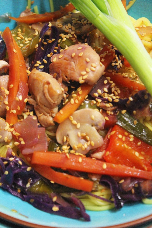thai-chicken-noodles-with-sesame-and-sweet-soy-sauce-marmite-et-ponpon