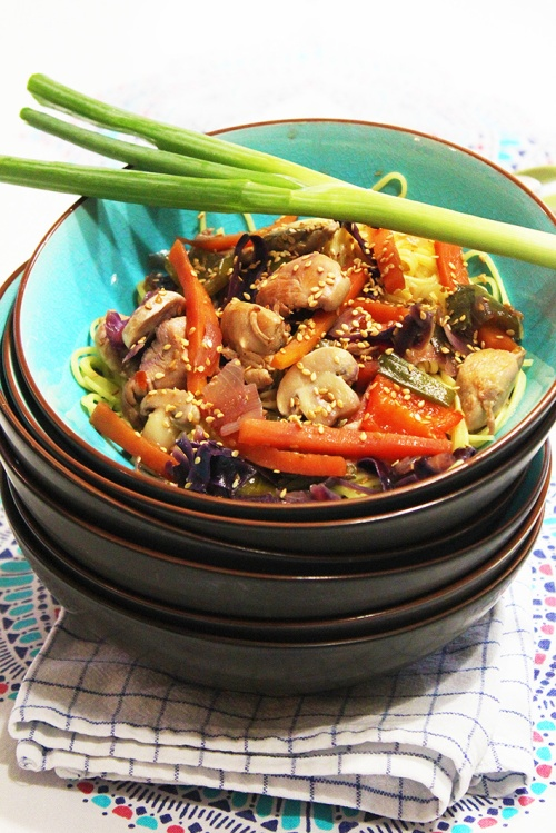 thai-chicken-noodles-with-sesame-and-sweet-soy-saucemarmite-et-ponpon