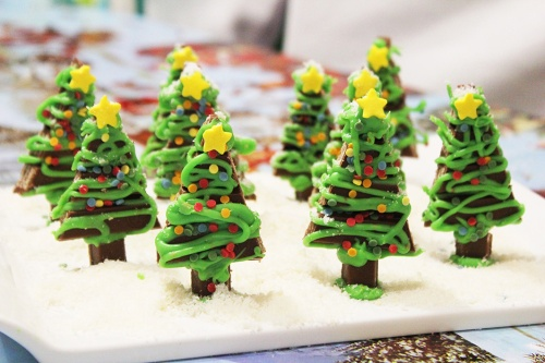 4-kit-kat-christmas-tree-t-marmite-et-ponpon