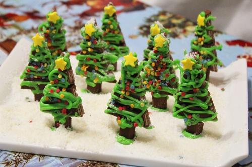 7-kit-kat-christmas-tree-t-marmite-et-ponpon