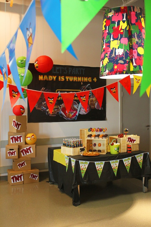 How To Diy An Angry Birds Birthday Party Decoration Marmite Et Ponpon