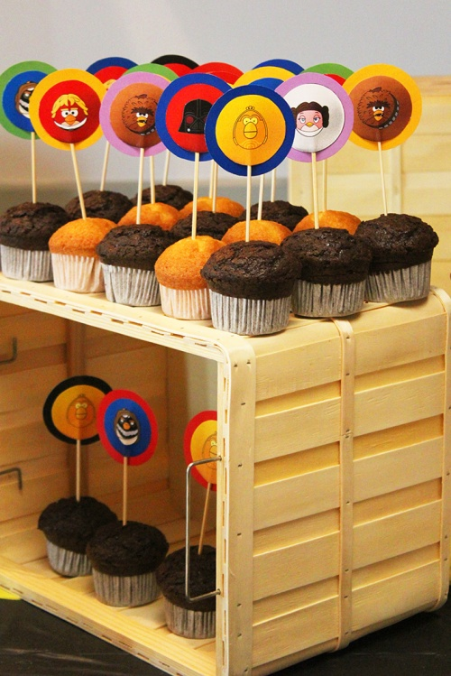 angry-birds-birthday-party-cupcakes-toppersmarmite-et-ponpon