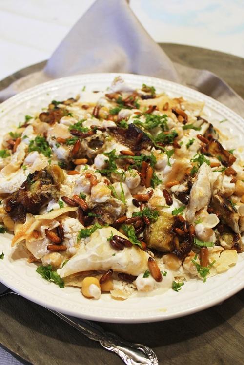 Fatteh batenjen - chickpeas, aubergine, yogurt and pita|marmite et ponpon