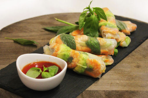 Basil, shrimp, avocado and mango fresh rolls