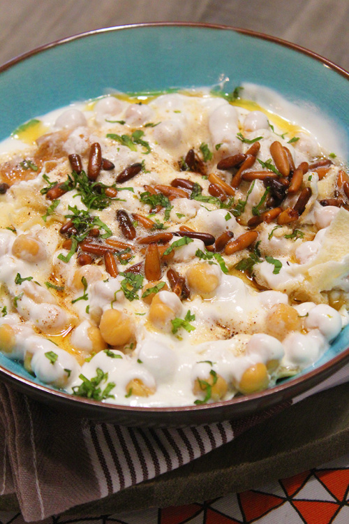Fatteh hummos – chickpeas, yogurt and pita